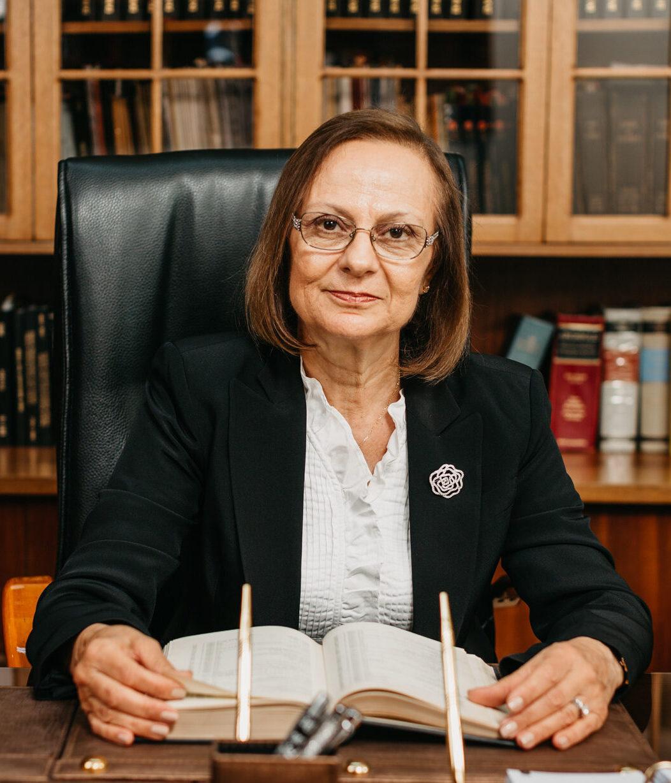 Peyman Erginel - Kuzey Kıbrıs'ın En İyi Avukatı - Erginel Hukuk Bürosu
